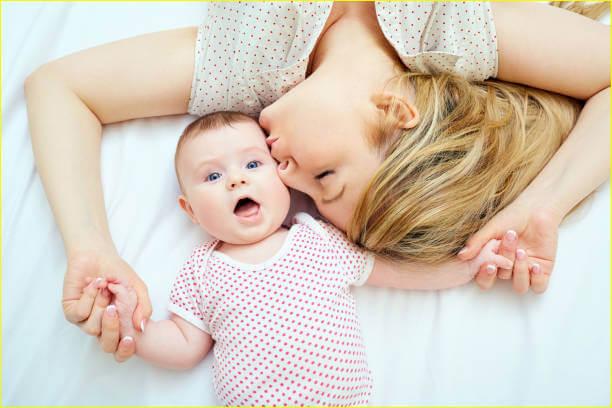 فوائد شیر دادن کودک برای مادر
