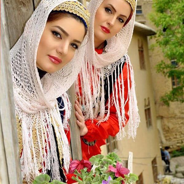 متین ستوده و خواهرش