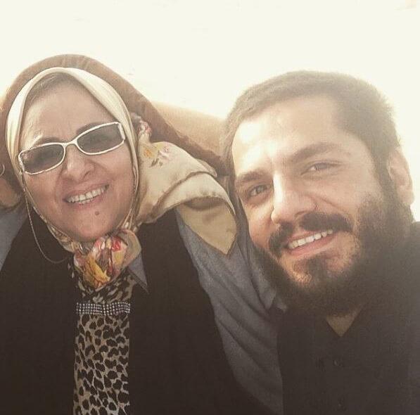عباس غزالی و مادرش