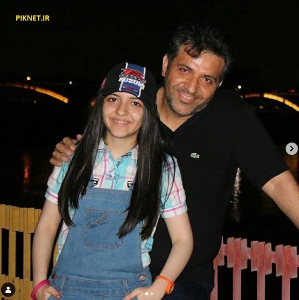 کیمیا حسینی همراه با پدرش