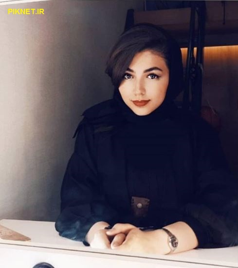 بیوگرافی منا اسکندری