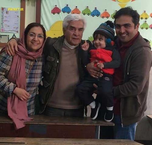 سعید کریمی به همراه همسر و فرزندش