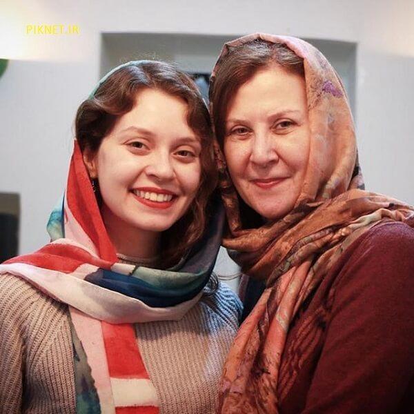 عکس شادی کرم رودی با مادرش افسانه ساسانی