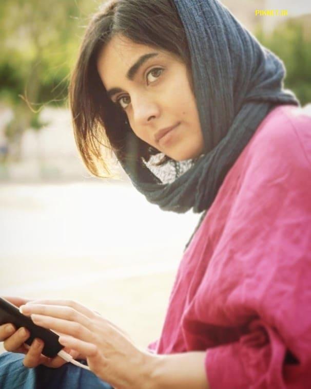 بیوگرافی مهشید جوادی در سریال بیگانه ای با من است + عکس ها