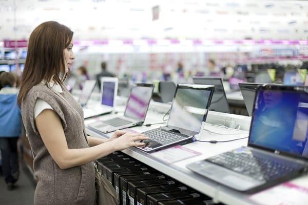 راهنمای خرید و معرفی 10 مدل لپ تاپ پرفروش در بازار + لینک خرید